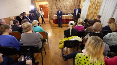 Депутат Павел Роженко побывал в роли помощника Святого Николая