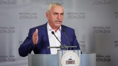 Василь Гуляєв просить Президента і прем'єра втрутитися у ситуацію з відсутністю опалення у Чорноморську