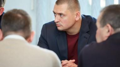 Виктор Бондарь во время рабочей поездки в Запорожье вручил партийные билеты новым членам организации