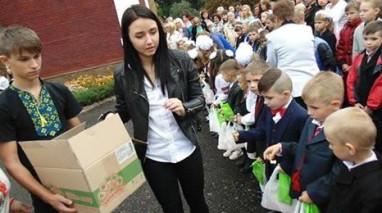 Олександр Саєнко підсолодив першокласникам початок шкільного шляху