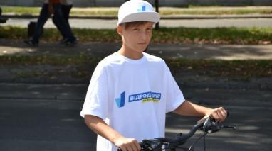 """Черкаські активісти """"Відродження"""" відзначили День незалежності велопробігом"""
