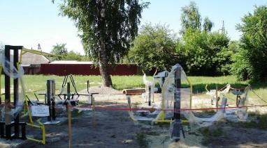 За сприяння депутата «Відродження» в охтирській школі встановили тренажери