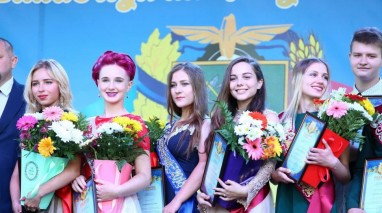 За підтримки Віктора Остапчука у Куп'янську відбувся випускний бал-2018