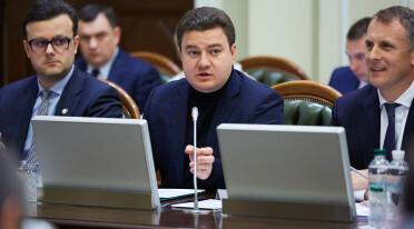 Виктор Бондарь предложил принять законы об импичменте и депутатской неприкосновенности ко второму туру выборов
