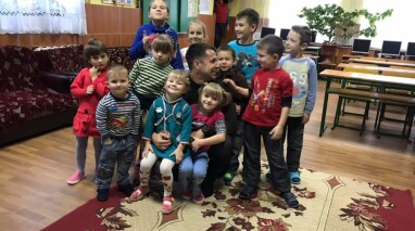 Депутат Невеселый не дал закрыть центр реабилитации деток в Вознесенске