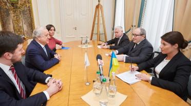 Геннадий Кернес встретился с главой ЕБРР Украины Шевки Аджунером