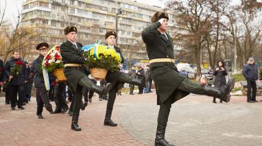 Представители «Відродження» возложили цветы к Мемориалу жертвам Чернобыльской катастрофы