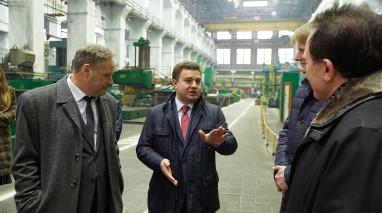 Кандидат в Президенты Виктор Бондарь посетил два крупнейших харьковских завода