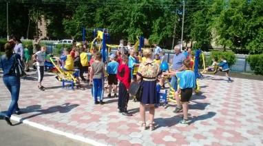 Олександр Будник долучився до закупівлі вуличних тренажерів у Краснопіллі