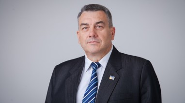 Юрій Кривошеєв розказав школярам про потреби фронту та роботу волонтерів