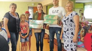 Олександр Саєнко привіз подарунки школярам оздоровчого табору