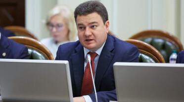 Виктор Бондарь призвал парламент не допустить повышения цен на электроэнергию с 1 июля